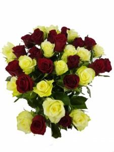 Kytice růží - bílé a rudé růže